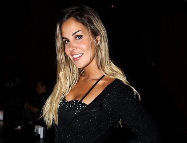 """Mesmo namorando, Roberta Portella atraiu Rodrigo Capella durante o reality, e o ator já deixou claro que não é apenas um """"irmãozinho"""" da ex-peoa (29/8/12)"""