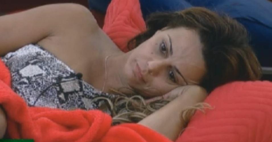Vivian Araújo descansa antes da final (29/8/12)