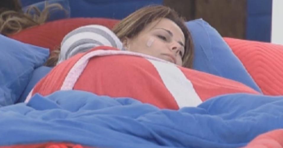 Viviane Araújo descansa na manhã desta quarta-feira (29/8/12)