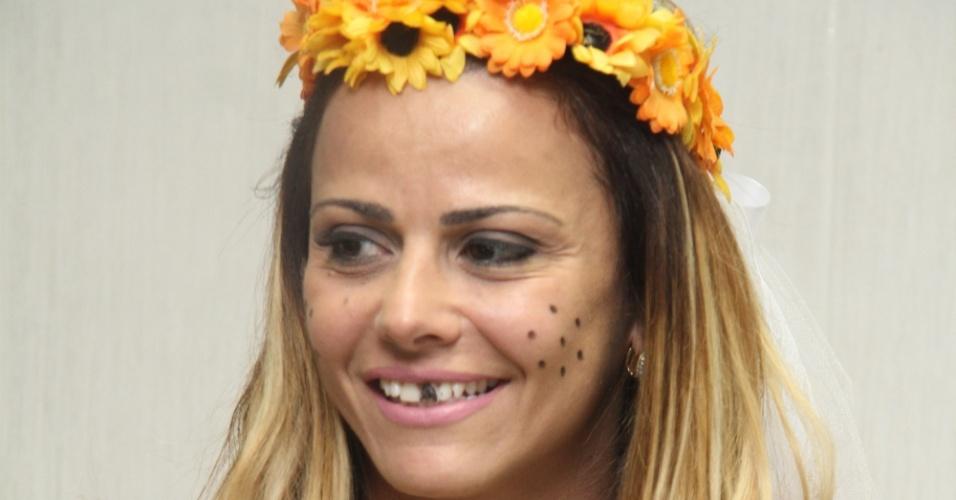 Viviane Araújo participa de festa julina beneficente no Rio de Janeiro (16/07/2011)