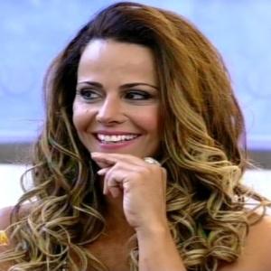 """Vencedora de """"A Fazenda 5"""", Viviane Araújo participa do programa Hoje em Dia (30/8/12)"""
