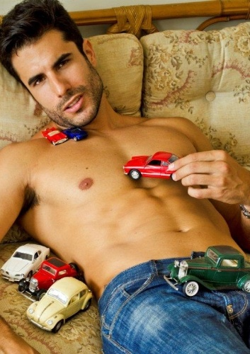 O modelo Dan Wainer, 31, estará no novo reality show da Record