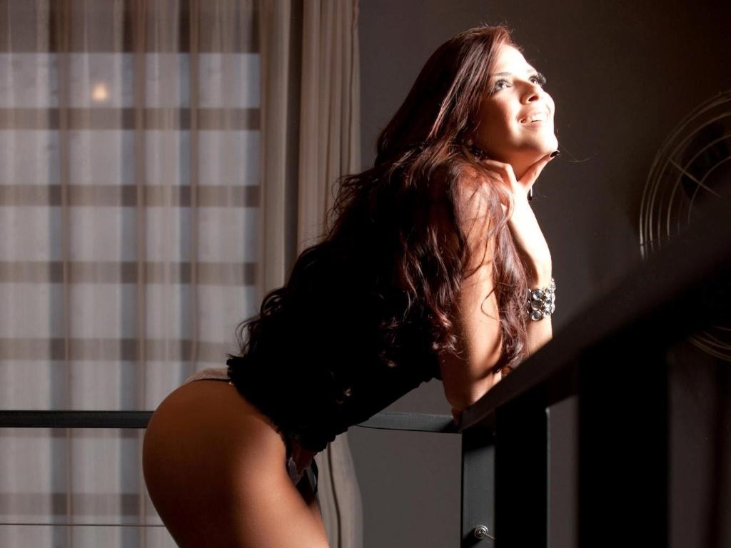 Nuelle Alves é modelo e já chegou a trabalhar na Espanha (26/10/12)
