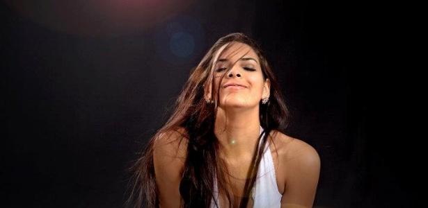 Nuelle Alves é uma das candidatas do concurso Miss Bumbum 2012 (26/10/12)