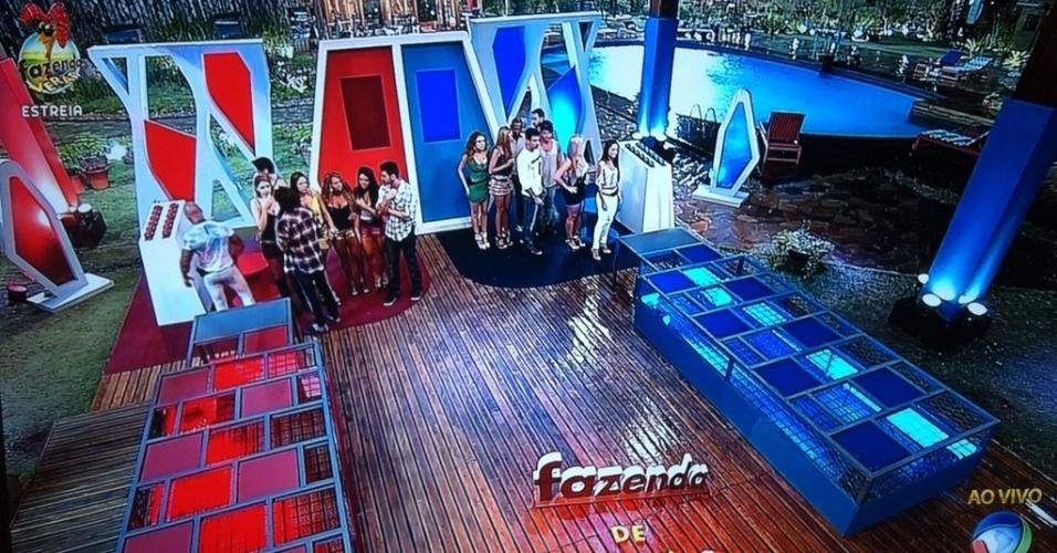 """Peões tiveram de se separar em dois grupos para disputar a prova da """"Fazenda de Verão"""""""