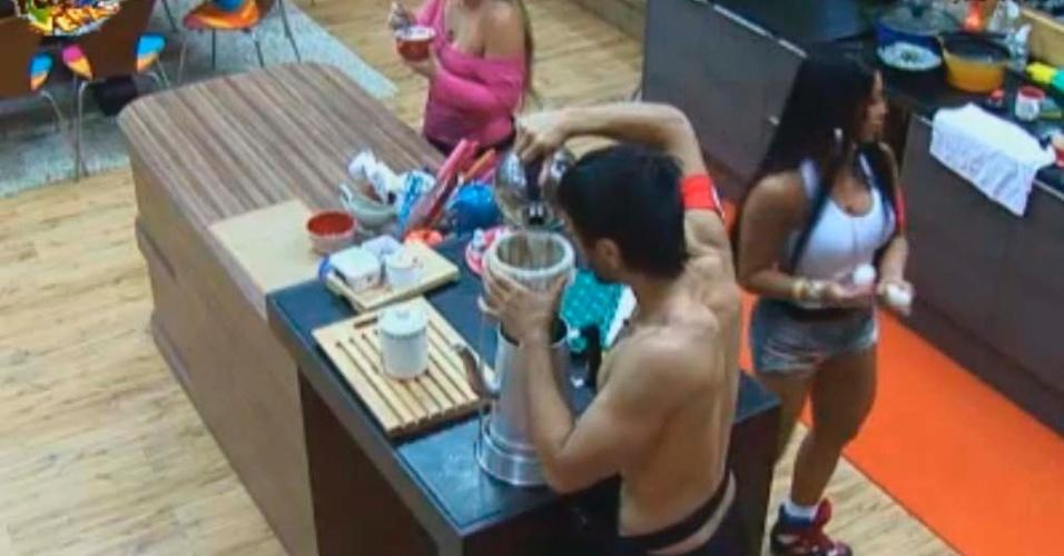 Peões preparam café da manhã