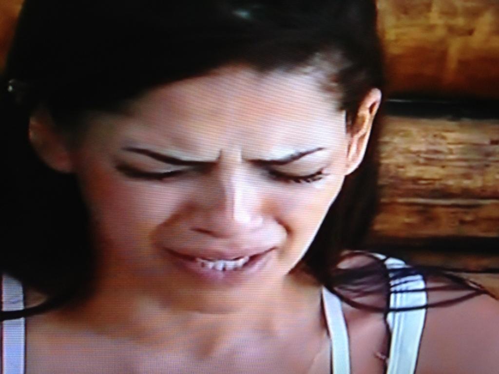 Nuelle se emociona ao lembrar da morte da mãe