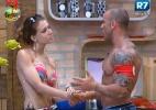 Claudia fala sobre drama pessoal com Rodrigo Simões e quase chora - Reprodução/Record