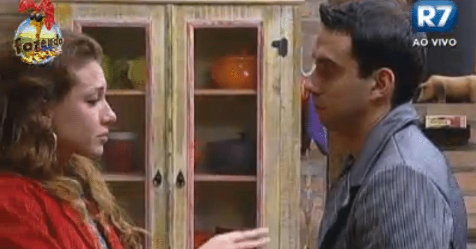 Rodrigo Carril faz revelações para Claudia