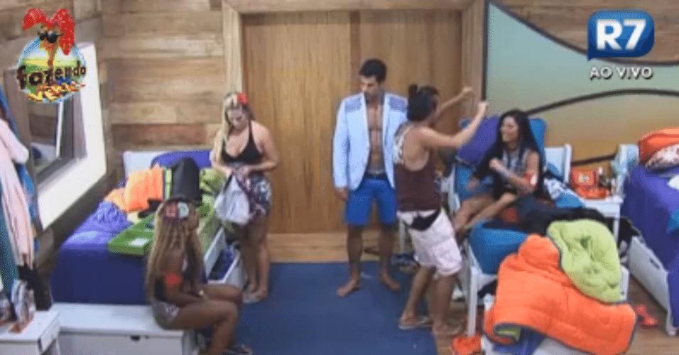 Haysam dança no quarto após briga com Angelis