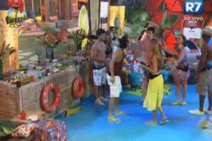 """Haysam grita e insulta Angelis na primeira festa da """"Fazenda de Verão"""""""