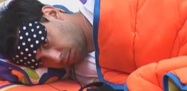 Rodrigo Carril acorda de soneca da tarde