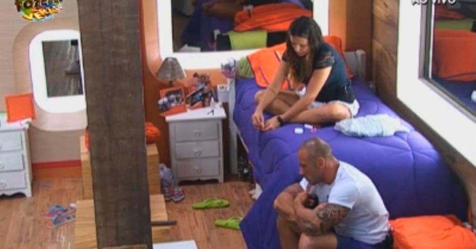 Rodrigo desabafa sobre família com Angelis