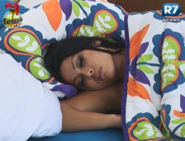 Natalia dorme no quarto da Sede