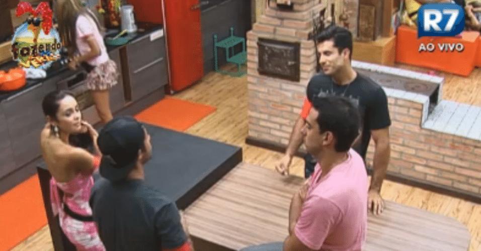 Flavia conversa com Victor, Carril e Dan sobre cantadas