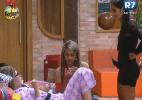 """""""Nós quatro temos que nos unir"""", disse Bianca para meninas - Reprodução/Record"""