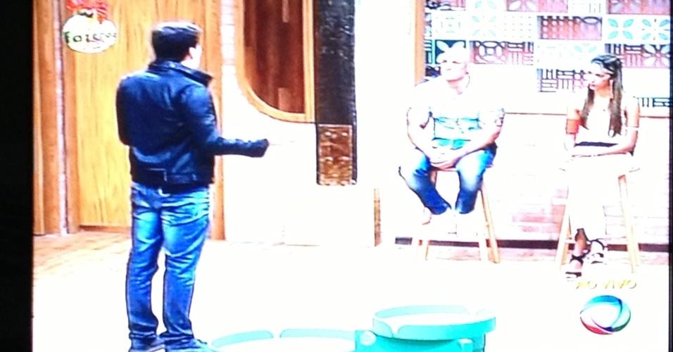 Rodrigo Faro anuncia resultado da segunda roça; Gabriela é eliminada