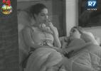 Nuelle conversa com Bianca sobre situação com os homens da casa - Reprodução/Record