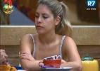 Bianca conta que Rodrigo Simões a fez desistir de tocar o sino - Reprodução/Record