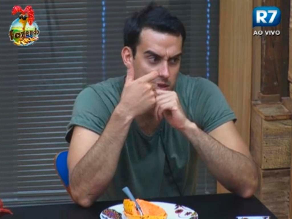 Rodrigo confessou interesse por Claudia, a primeira eliminada da