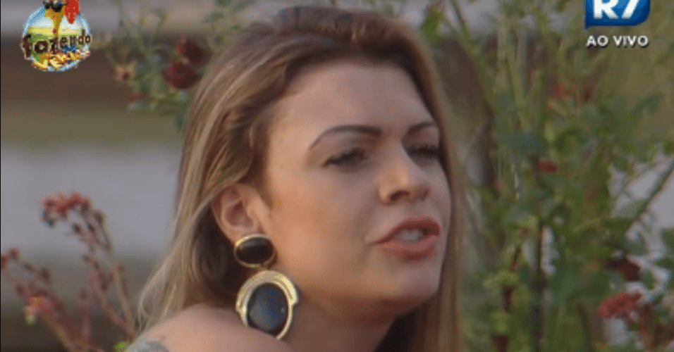 Manoella critica Isis e Karine