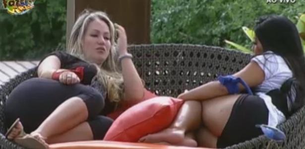 Ísis desabafa com Natalia sobre desentendimento com Haysam