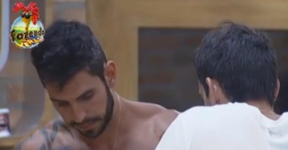 Rodrigo e Thyago conversam sobre próxima roça