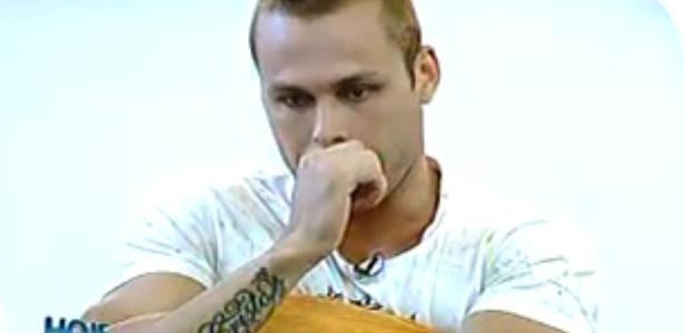 """Lucas durante a entrevista ao programa """"Hoje em Dia"""", previamente gravada e exibida na terça-feira"""