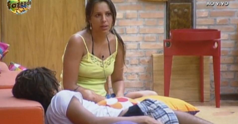 Angelis e Haysam conversam sobre saúde de Manoella