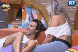 Ísis, Haysam e Victor comentam beijo entre Manoella e Angelis