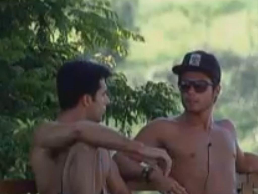 Dan e Victor conversam sobre nova punição