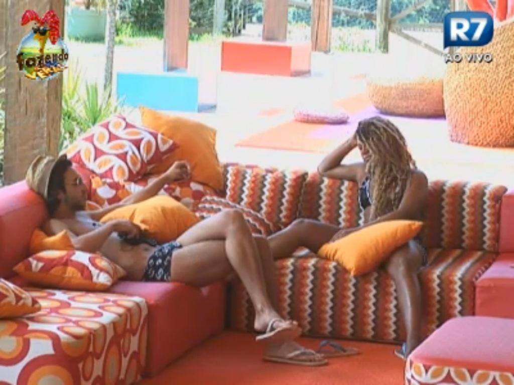 Karine e Haysam conversam sobre Carril