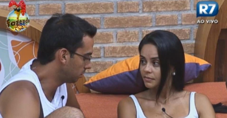 Rodrigo Carril confessa ter medo de ir pra roça