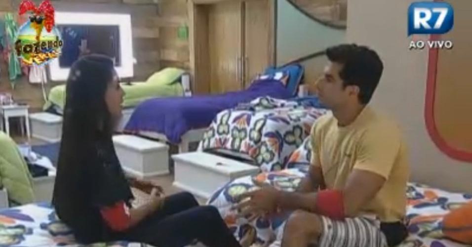 Flávia conversa com Dan