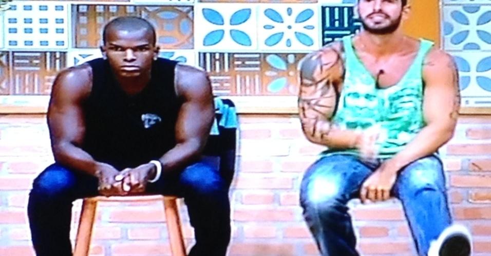 Raphael e Thyago aguardam resultado da votação