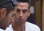 Rodrigo Carril revela para Thyago que ficou triste com votos para roça - Reprodução/Record