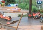 Peões começam o dia com preguiça e descansam fora da sede - Reprodução/Record