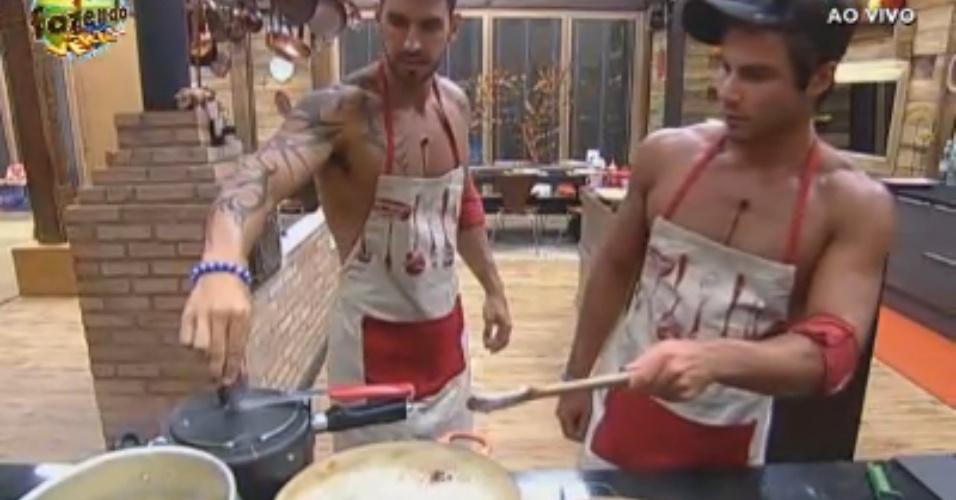 Thyago e Victor preparam o almoço desta quinta-feira (27)