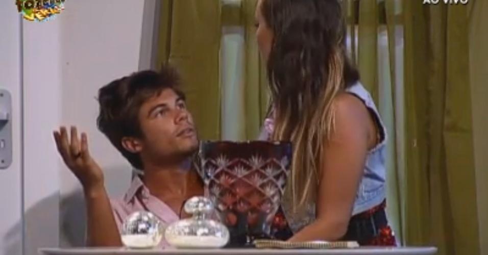 Victor e Angelis durante atuação na