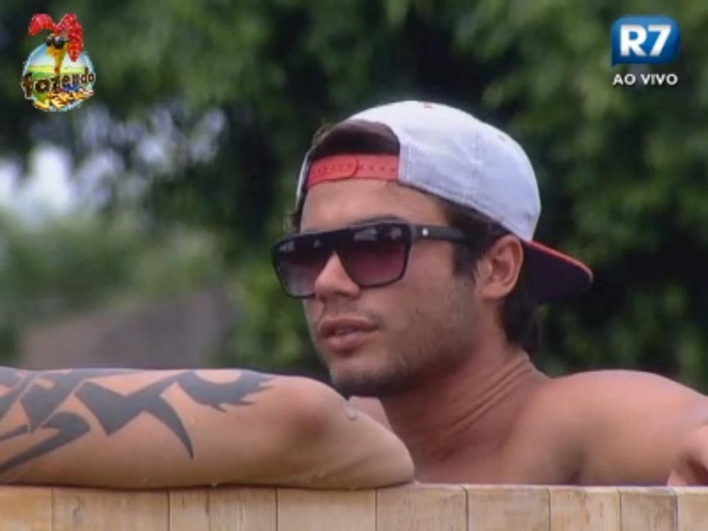 Victor acha Angelis uma boa pessoa