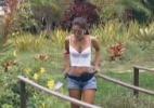 Transmissão é restabelecida e mostra Flávia trabalhando na horta - Reprodução/Record