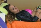 """""""Não vou aguentar mais ficar aqui"""", diz Angelis para Flávia - Reprodução/Record"""