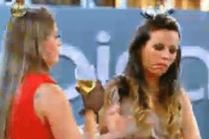 Angelis e Manoella brigam na festa e dizem ter se cansado uma da outra