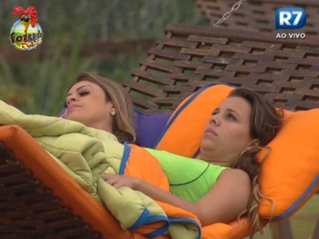 Angelis e Manoella descansam na rede