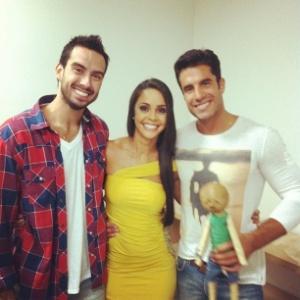 Encontro de Carril, Flávia e Dan após entrevista