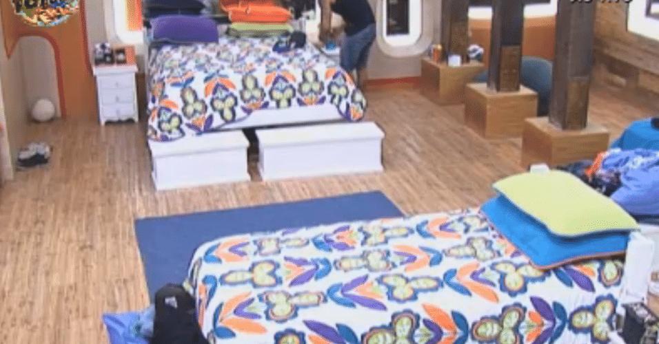 Thyago fica com a cama que era de Dan e Flávia