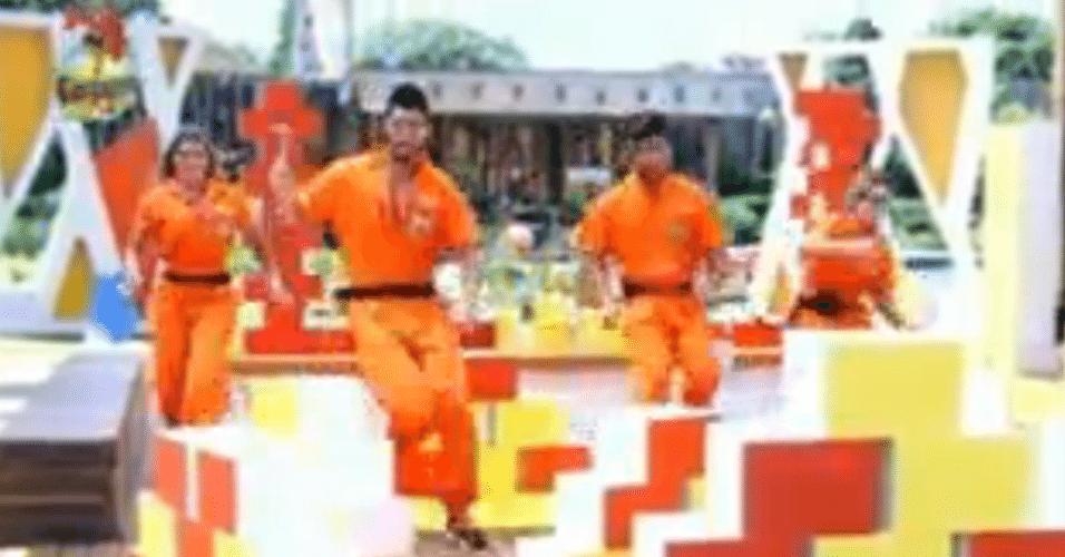 Na segunda fase do jogo, os peões precisavam quebrar os blocos para ganhar um carro