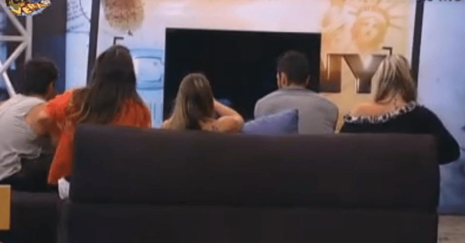 Peões ganham sessão de vídeos
