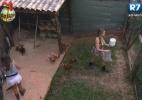 Angelis não suporta cobrança de Manoella e Victor e abandona atividades da fazenda - Reprodução/Record