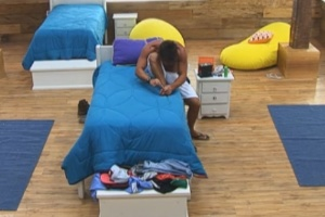 Victor fica sozinho no quarto enquanto peões participam de atividade